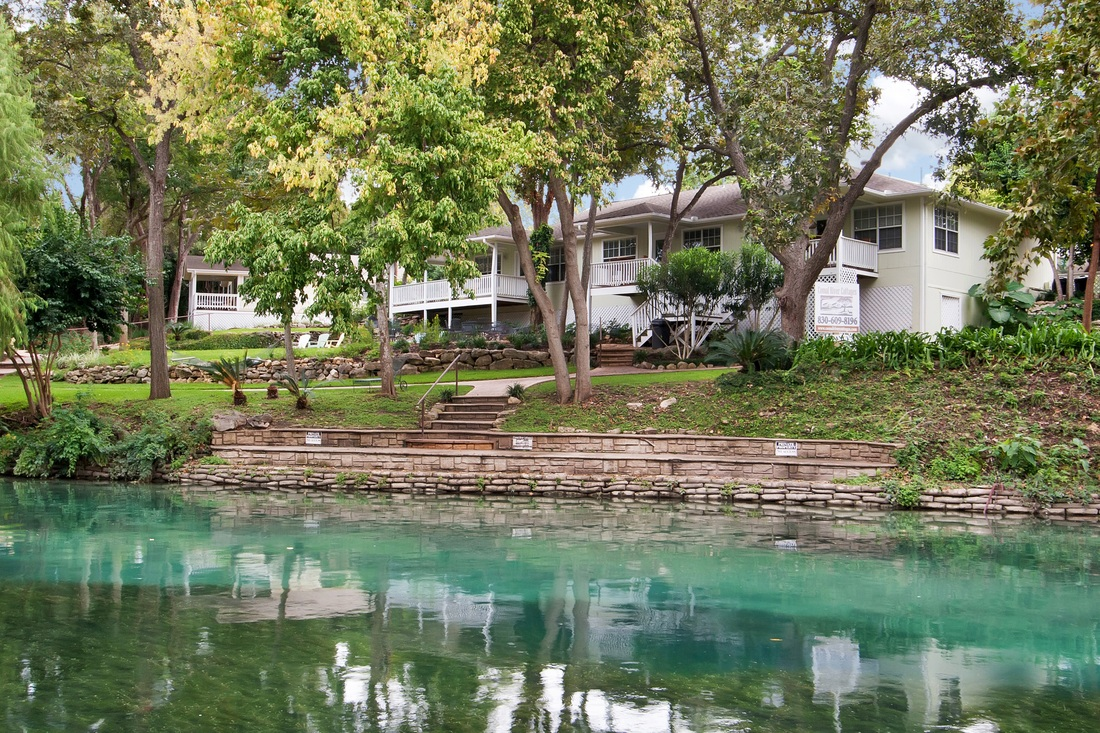 comal river cottages home